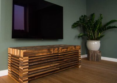 houtvision-sloophout-pallethout-apart-tv-meubel-apart-douwe-egberts-balken-stoer-productafbeelding