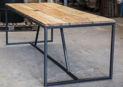 houtvision-sloophout-scandinavisch-chinees-hardhout-geometrisch-staal-stalen-frame-tafelonderstel-maatwerk-industrieel-zonder-logo
