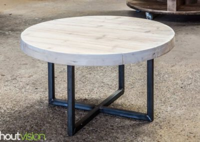 houtvision-sloophout-steigerhout-balkenhout-baddinghout-kruispoot-staal-5x5-rond-salontafel-tafel-bijzettafel-maatwerk-2