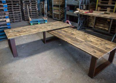 houtvision-sloophout-tafel-roestpoten-roest-staal-industrieel-indsutrie