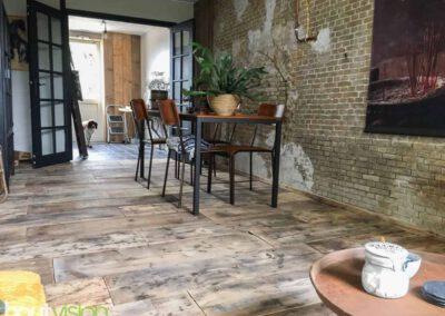 houtvision-sloophout-vloer-kaasplanken-oude-woonkamer-lamp-steigerhout-2
