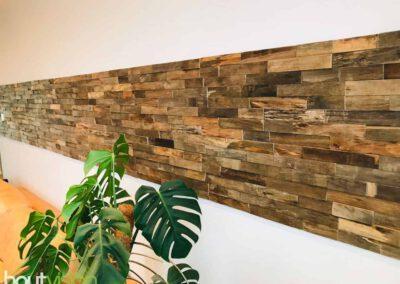 houtvision-sloophout-wandbekleding-houtstrips-bali-strook-woonkamer-wandpaneeltjes-3