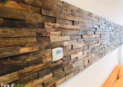 houtvision-sloophout-wandbekleding-houtstrips-bali-strook-woonkamer-wandpaneeltjes-4