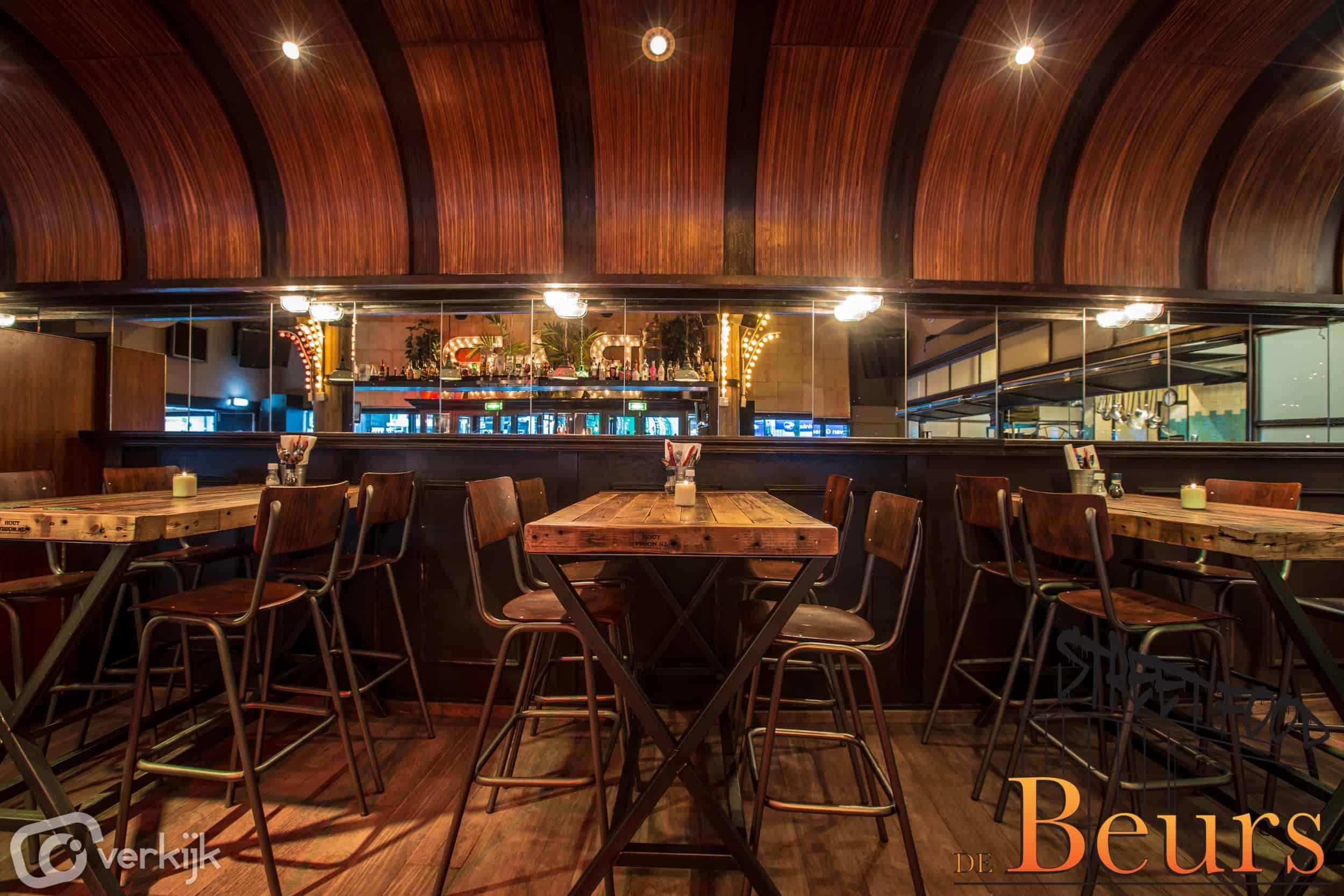Bartafel - Statafel Oude Haven Douwe Egberts Balken cafe Beurs Rotterdam