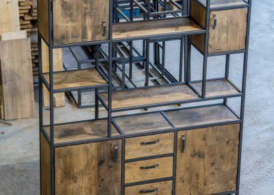 Houtvision-maatwerk-sloophout-industriële-meubelen-op-maat-gebruikt-hout-staal-kast-jeff-laden-deuren-vakken-oude-kaasplanken-english-color