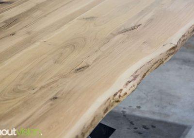 Houtvision-sloophout-maatwerk-industriele-meubelen-op-maat-gebruikt-oud-hout-staal-boomstam-blad-eettafel-matrixpoot-5