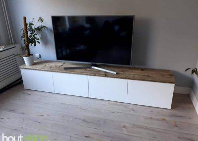 Houtvision-sloophout-maatwerk-industriele-meubelen-op-maat-gebruikt-oud-hout-staal-pallet-planken-blad-ikea-besta-tv-meubel