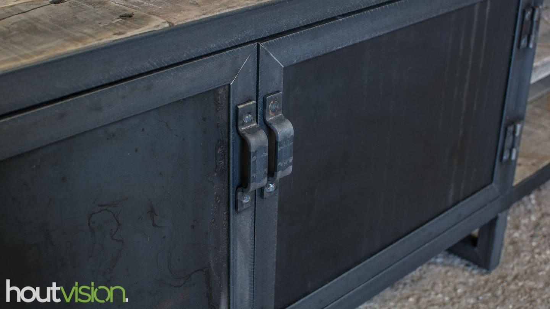 Stalen deuren van blauwstaal/ warmgewalst staal