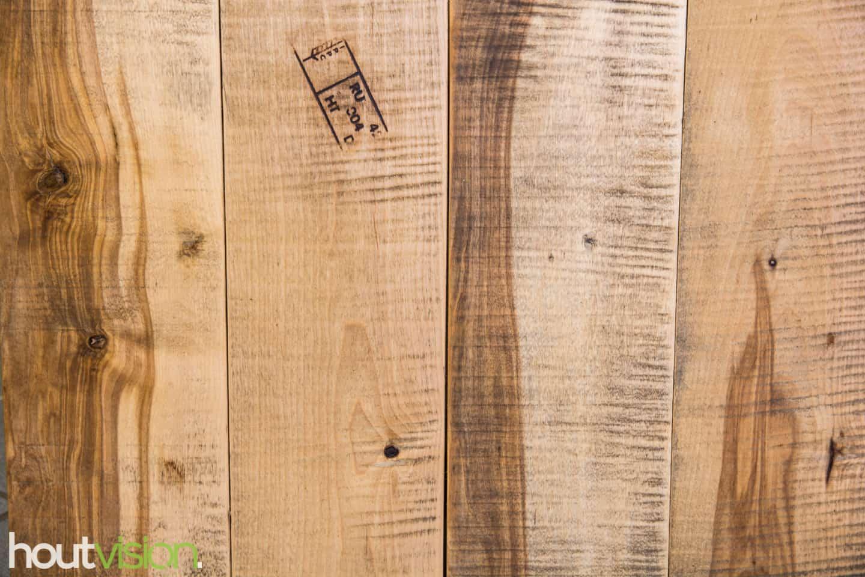 Een divers aanbod in verschillende afmetingen planken look-a-like Mangohout