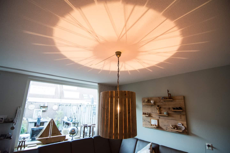 Hanglamp van pallethout sloophout