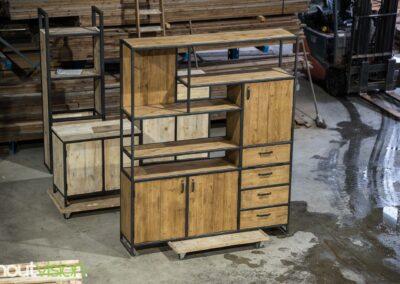 Houtvision-maatwerk-sloophout-industriële-meubelen-op-maat-hout-staal-kast-jeff-deuren-laden-vakken-wandkast-renate (4)