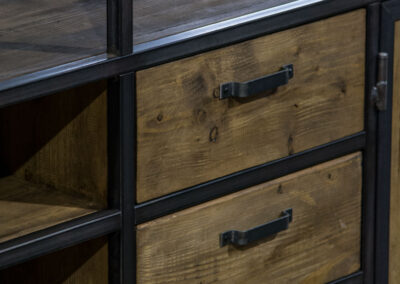 Houtvision-sloophout-industrieele-meubelen-op-maat-maatwerk-oud-gebruikt-hout-kaasplanken-english-color-zwevend-stalen-frame-uniek-kast-tv-meubel-alexander (1)