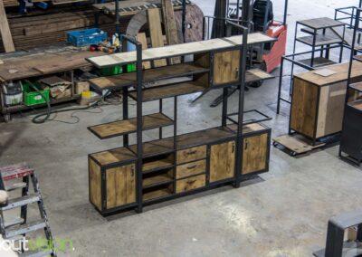 Houtvision-sloophout-industrieele-meubelen-op-maat-maatwerk-oud-gebruikt-hout-kaasplanken-english-color-zwevend-stalen-frame-uniek-kast-tv-meubel-alexander (2)