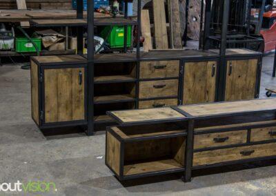 Houtvision-sloophout-industrieele-meubelen-op-maat-maatwerk-oud-gebruikt-hout-kaasplanken-english-color-zwevend-stalen-frame-uniek-kast-tv-meubel-alexander (7)