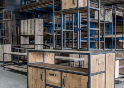 Houtvision-sloophout-meubels-op-maat-industriële-meubelen-kast-kantoormeubelen-bureau-maatwerk-kaasplanken-oud-gebruikt-hout-staal-losse-delen (5)
